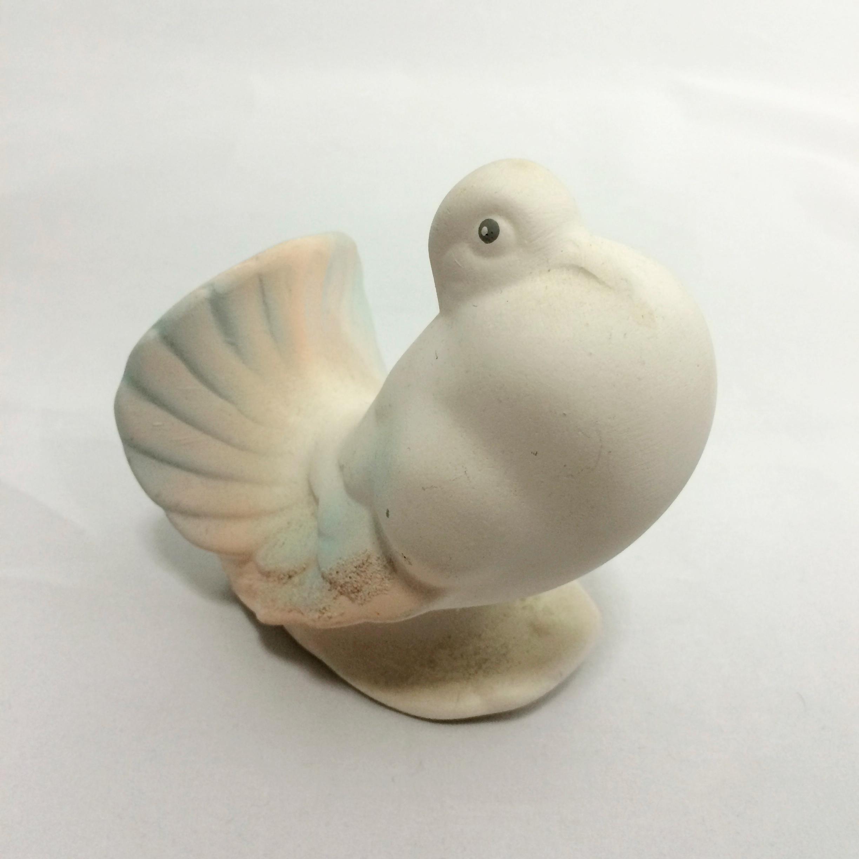 鳩の置物(鳩胸) 右向き